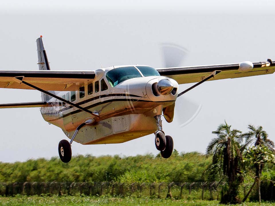 flight to bwindi