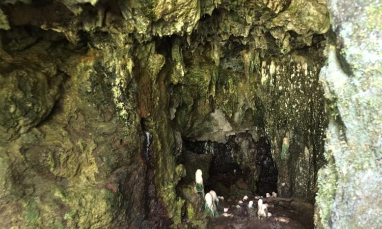 Visit The Amabere Ga Nyina Mwiru Caves this Easter!